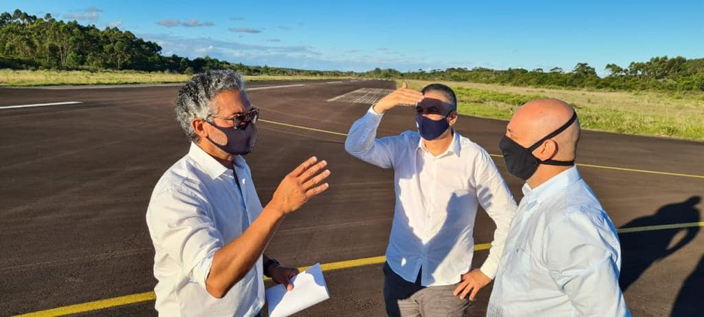 AUTORIDADES VISTORIAM AEROPORTO DE TORRES
