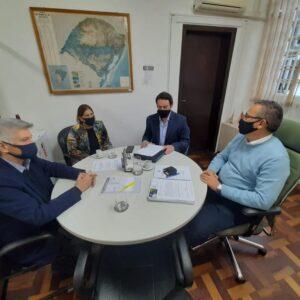 GABINETE DO LÍDER DO GOVERNO ENCAMINHA DEMANDAS DE LIVRAMENTO NA SECRETARIA DE AGRICULTURA