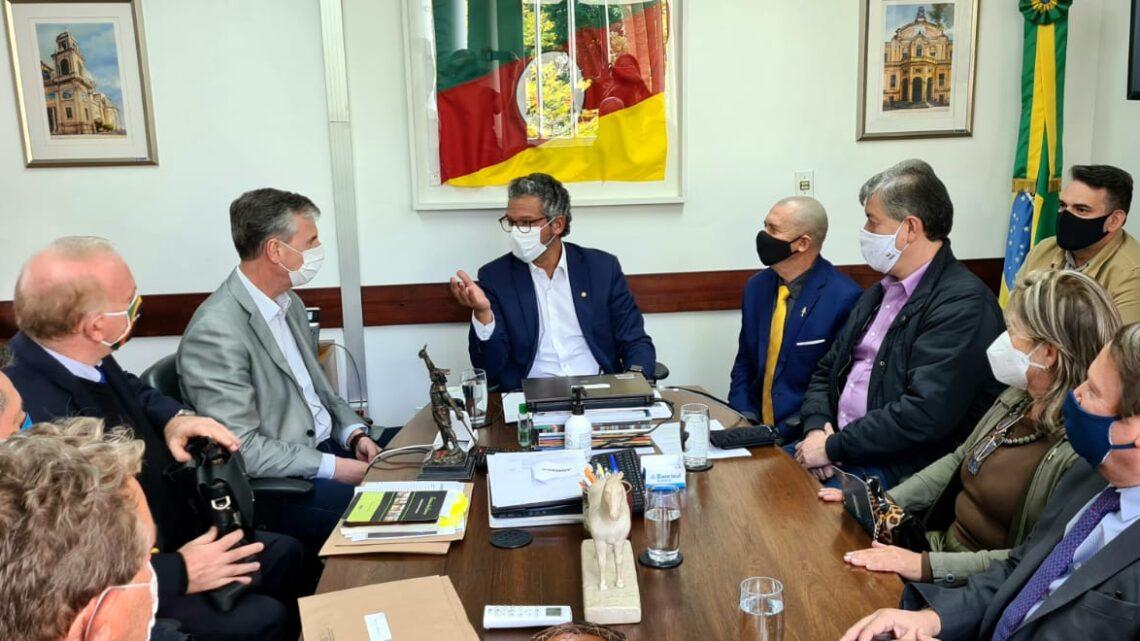 Frederico Antunes recebe pedido de apoio para o projeto Pró-Missões