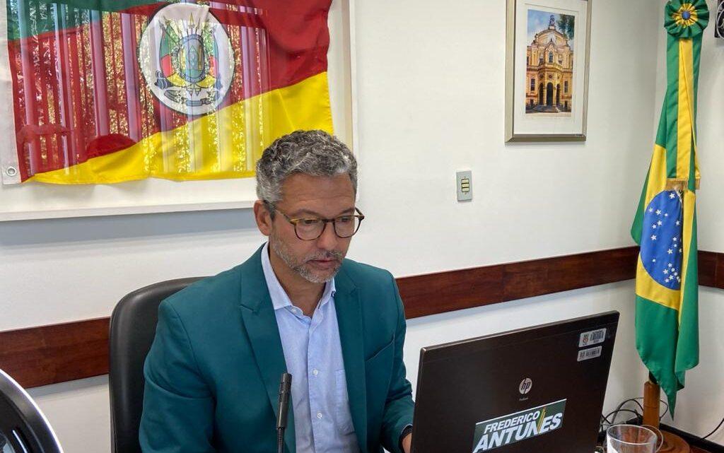 LÍDER DO GOVERNO REÚNE PREFEITOS DA REGIÃO DA BACIA DO RIO JAGUARÃO PARA TRATAR DO PROGRAMA PAVIMENTA